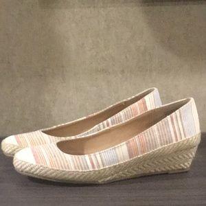Stripped wedge heels